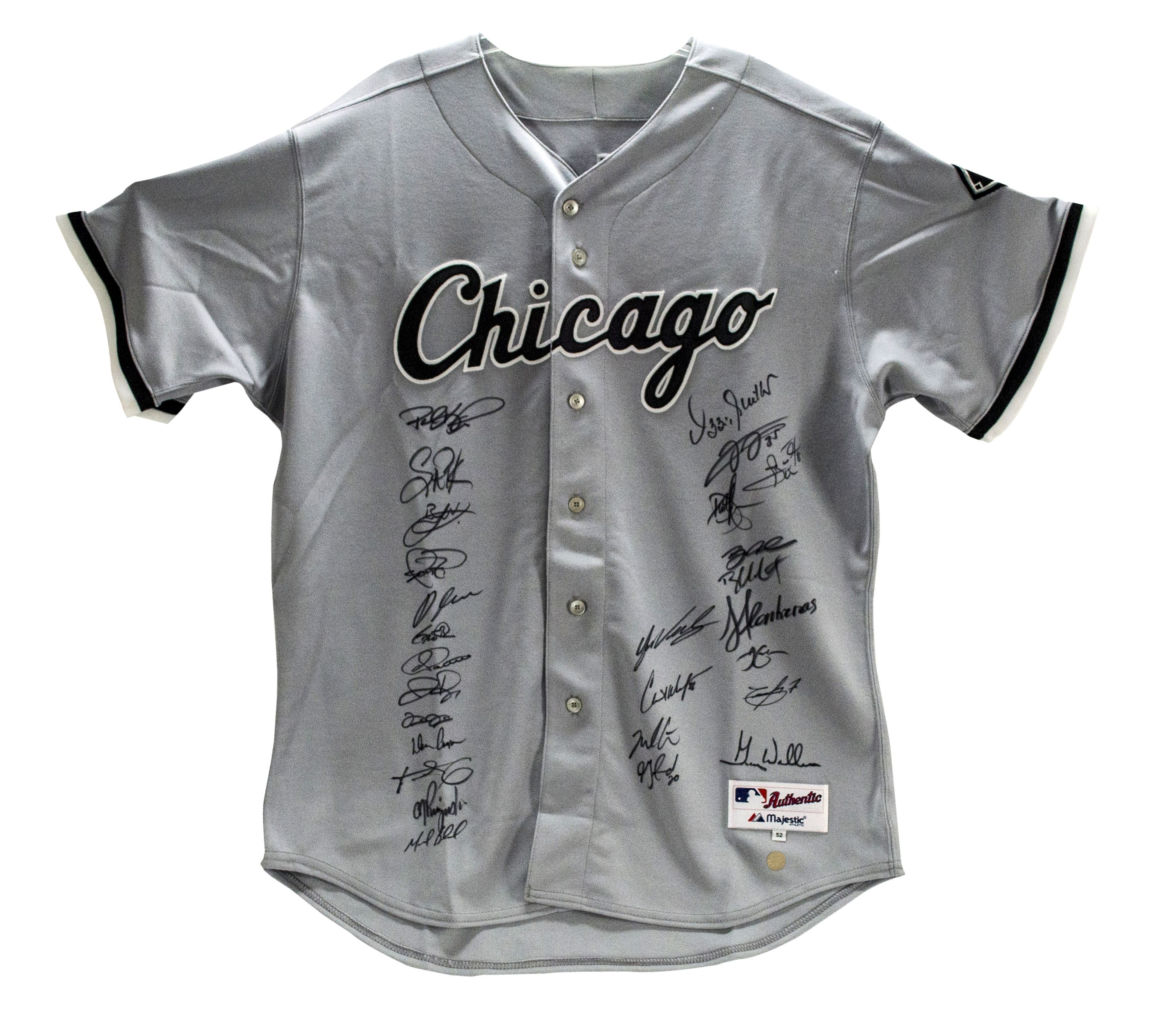 b1c0f71e06a 2005 Chicago White Sox World Series Champion Team Signed Jersey(27  Signatures)