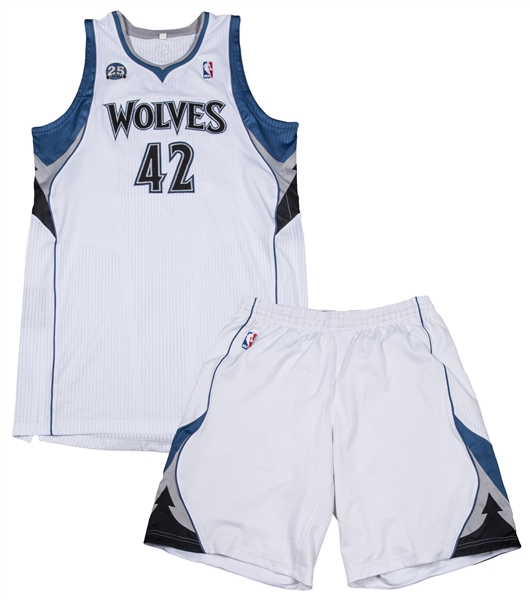 size 40 a3fc5 fe5d7 Lot Detail - 2013-14 Kevin Love Game Used & Photo Matched ...