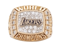 2000 Kobe Bryant Los Angeles Lakers NBA Championship Ring 14K-40 Diamonds -Laker Issued Player Ring Gifted by Kobe to Pam Bryant (Pam Bryant LOA)