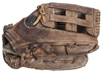 1982-84 Dave Winfield Game Used Rawlings Fielding Glove From The Willie Randolph Collection (Randolph LOA & PSA/DNA)
