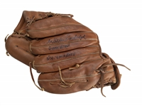 Willie Randolph Game Used, Signed & Inscribed New York Yankees Era Wilson A2000 Pro Stock 1372 Model Glove (Randolph LOA)