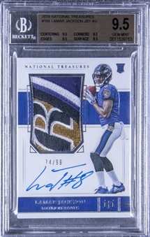 2018 National Treasures #165 Lamar Jackson Signed Jersey Rookie Card (#74/99) – BGS GEM MINT 9.5/BGS 10