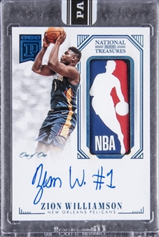 "2019-20 National Treasures ""Blockchain"" (RPA) #LA-ZW Zion Williamson Signed NBA Logoman Patch Rookie Card (#1/1) – Panini Encased"